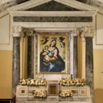 Interno della cappella sconsacrata della Madonna della Luce in Riviera di Chiaia a Napoli, dopo il restauro